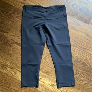 Lululemon Proceed with Speed Crop